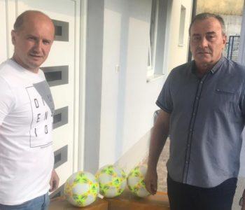 Marijan Ćavar i Goold Soccer Agency donirali nogometne lopte za trening HNK Rama i Rakitno
