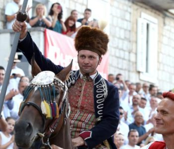 Frano Ivković iz Brnaza je pobjednik 304. Sinjske alke