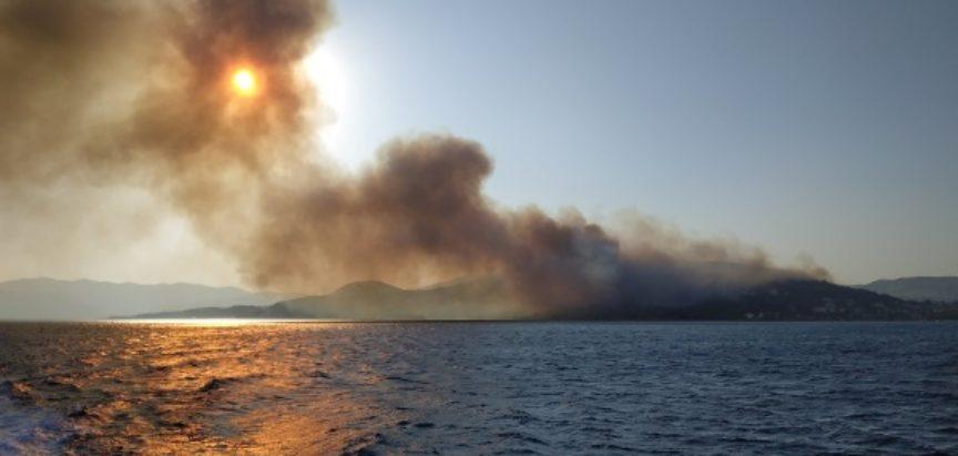 Grčka pod uzbunom dok se požari približavaju turističkim središtima