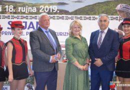 "Foto: Otvoren 14. Sajam poljoprivrede, prehrane i turizma ""Dani šljive Prozor – Rama 2019"""
