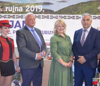 "Foto/video: Otvoren 14. Sajam poljoprivrede, prehrane i turizma ""Dani šljive Prozor – Rama 2019"""