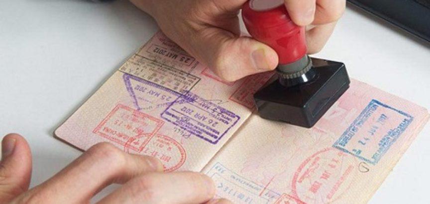 Izdavali lažne vize migrantima