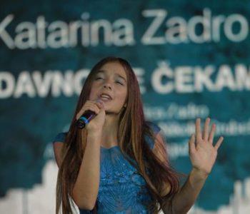 """Katarina Zadro na festivalu dječje pjesme """"Dok teče Lašva"""" dobila nagradu Lašvanska ptica"""