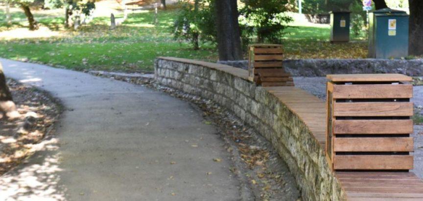 U Sarajevu se danas otvara prva biblioteka u parku: Dok čekate ljubav – čitajte