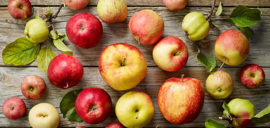 Može li jabuka razbuditi organizam bolje od kave? Čini se da može, a evo i zašto