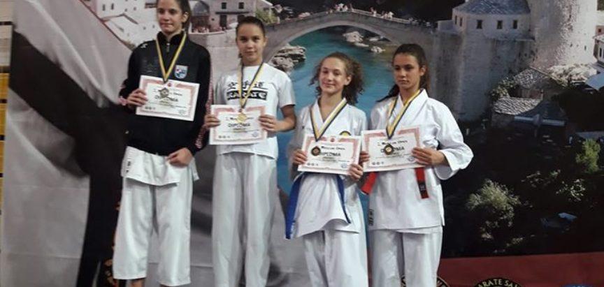 KK Empi: Zlato i dvije bronce u Mostaru
