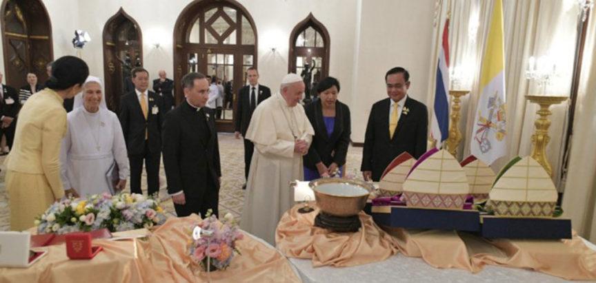 Papin boravak na Tajlandu