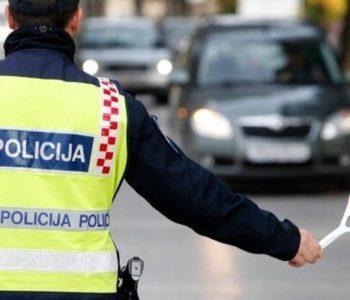 Zar je moguće: Uhvaćen bez vozačke dozvole u neregistriranom vozilu, a ima i 53 000 KM neplaćenih kazni