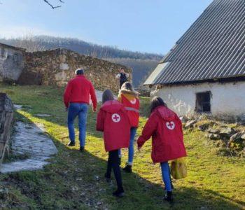 Crveni križ Prozor-Rama za božićne i novogodišnje blagdane podijelio 100 paketa potrebnima