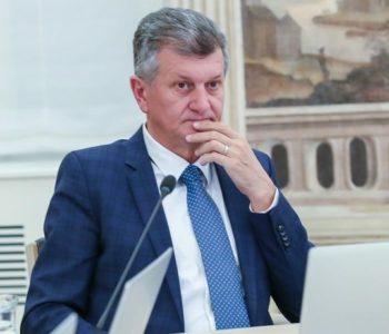 Plenković smjenio Kujundžića, ali ne zbog  afere s nekretninama, već zbog koronavirusa