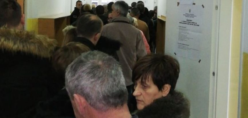Gužve na biralištima u Mostaru