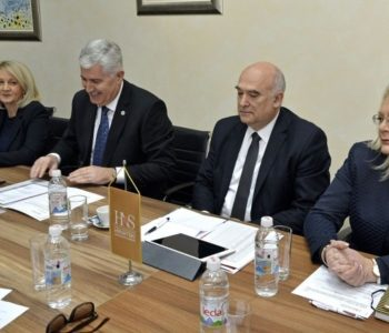 Zašto HNS ne govori o kršenju prava Hrvata u Sarajevu?