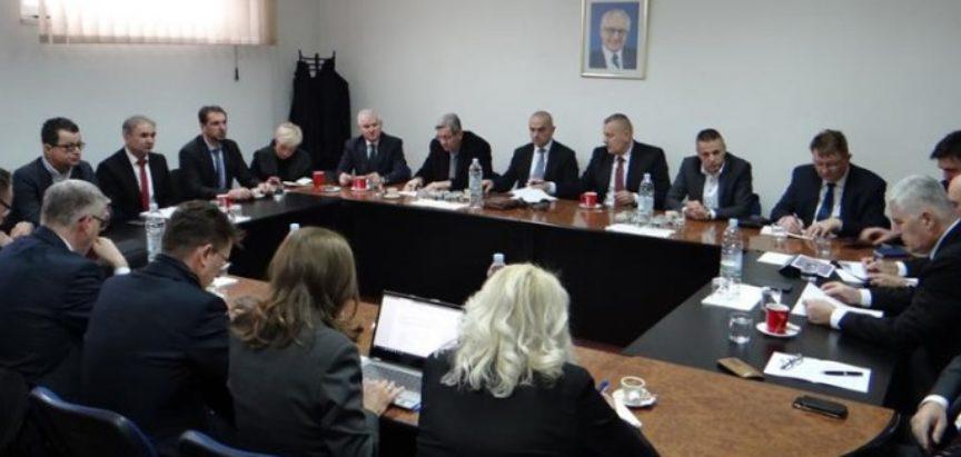 Izetbegović proziva HDZ, reagirao HNS