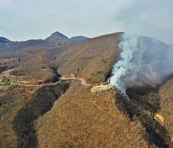 Foto/video: Vatrogasci na gašenje Duške kose morali koristiti više od devetsto tisuća litara vode