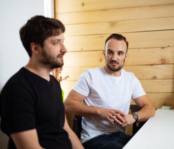 Luka Mijatović iz Rame s prijateljima radi aplikacije za neke od najvećih svjetskih kompanija