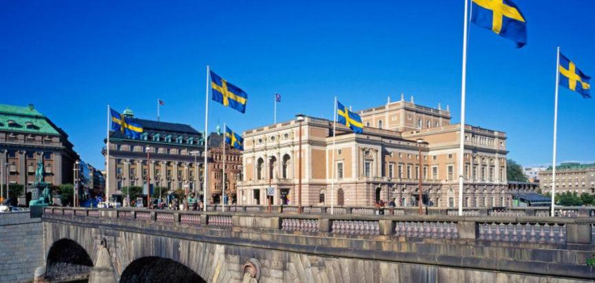 Koronavirus na švedski način: Osnovne škole rade, kafići, barovi i restorani otvoreni