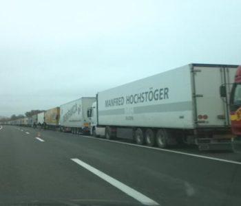 Nekoliko stotina kamiona krenulo iz Hrvatske prema BiH, Srbiji, Mađarskoj…