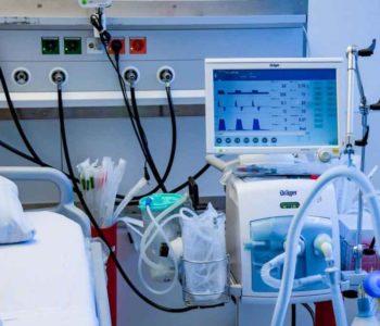 Papa darovao 30 respiratora bolnicama