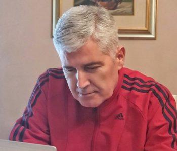 Dok se Čović slika za Twitter, političku bitku vodi samo jedan čovjek