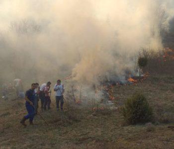 Gračac i Trišćani: Susjedi  muslimani gase požar da bi katolici mogli proslaviti Uskrs, ipak su se svi morali aktivirati