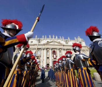 Uskrs s Papom iz perspektive švicarskog gardiste