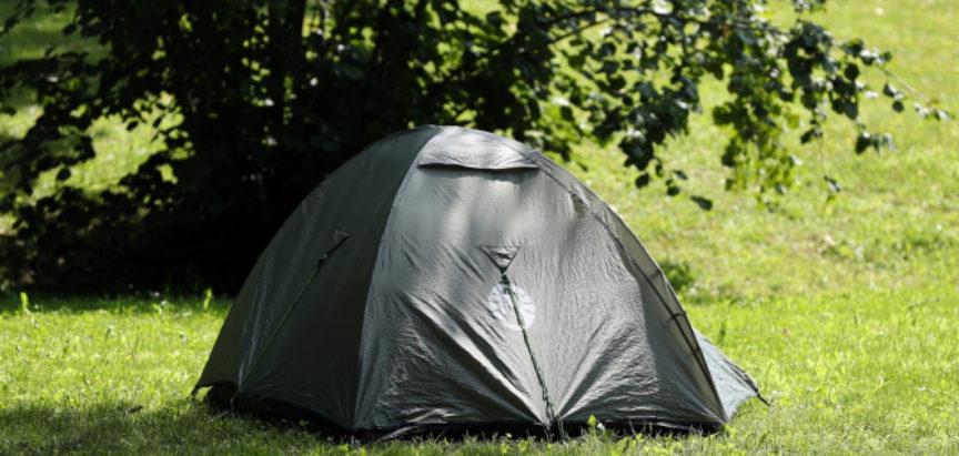 IZOLACIJA NEKIMA JAKO TEŠKO PADA; Slavonac odselio u šator u dvorištu: 'Nije više mogao izdržati sa ženom'