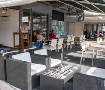Nova naredba Federalnog stožera: Kafići mogu početi s radom, javni prijevoz od petka