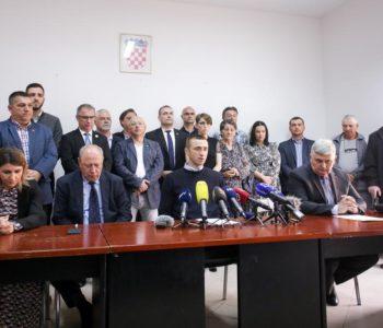 Šok iz Vukovara: Kompletan HDZ izišao iz stranke, optužuju Andreja Plenkovića