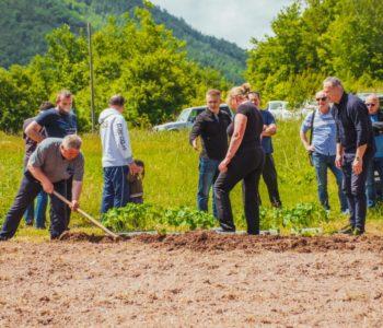 """Udruga """"Naša zemlja"""" Jurići započela probnu poljoprivrednu proizvodnju"""