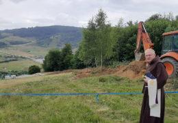 Molitva na mjestu ekshumacije na Rostovu