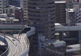Prometnica na zanimljivom mjestu: Kad autocesta prolazi kroz neboder!
