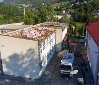 Foto/video: Započeli radovi na izmjeni krova i postavljanje nove fasade Srednje škole Prozor