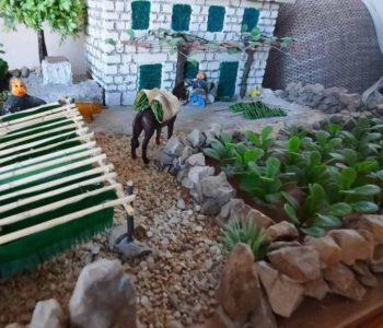 ANTE LEKO IZ GRUDA: Maketama oživljava rodne kuće i polja duhana za one koji su odselili