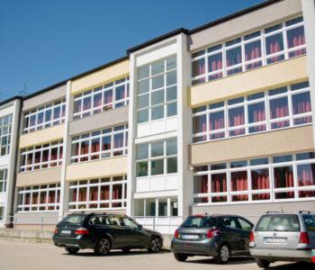 Općina Prozor-Rama učenicima prvog razreda pri polasku u školu pomogla s 250 KM