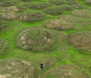 U Sibiru se na površini zemlje pojavljuju ogromne čudne izbočine