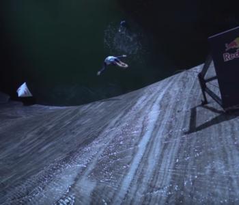 CLIFF DIVING: Skokovi u podzemno jezero u rudniku soli