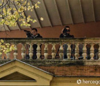 REKTOR TE PRATI: Rektorovi snimatelji bez komentara