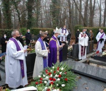 Na Mirogoju sahranjen don Pavao Crnjac