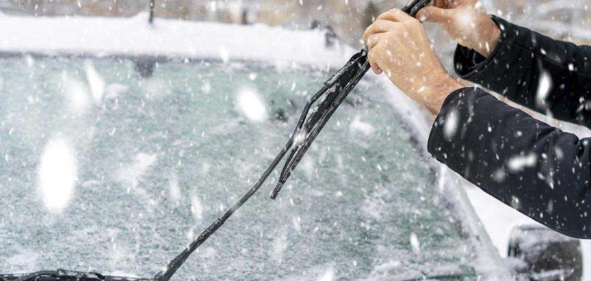 Zagrijavanje automobila zimi prije nego sjednete u njega jako je loše