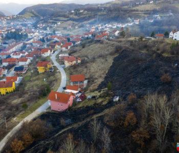 Intervencijom vatrogasaca i mještana spašene  obiteljske kuće u Prozoru