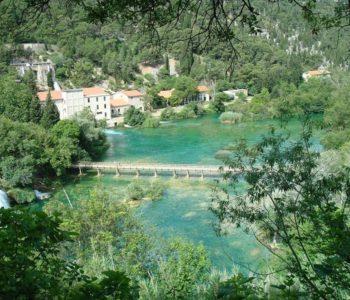 Prva hidroelektrana izgrađena je na rijeci Krki po Teslinom patentu