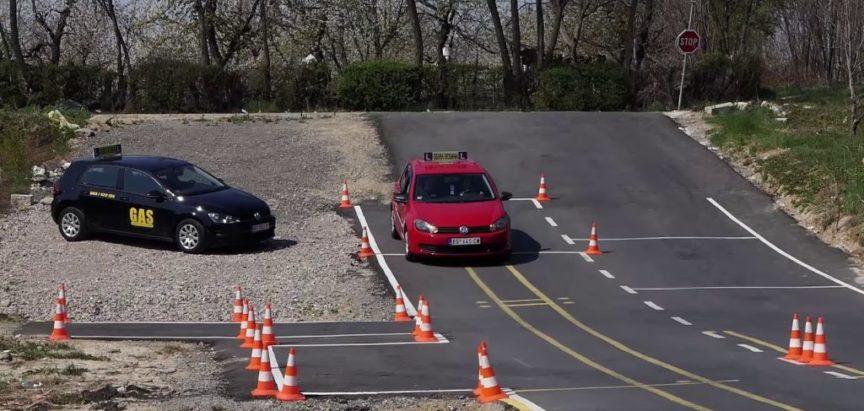 Punih 17 godina pokušava proći na vozačkom ispitu, ali – ne ide: Na teoriji pao čak 192 puta