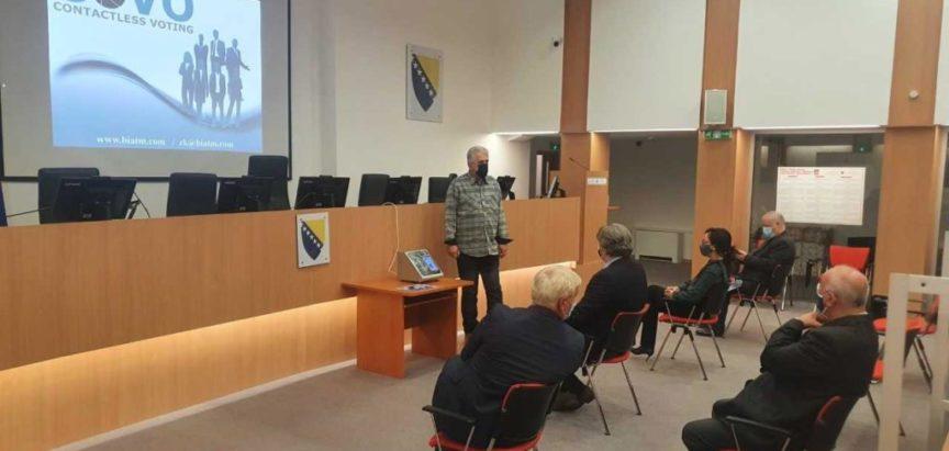 Središnje izborno povjerenstvo BiH dobiva uređaj COVO za automatski prijenos rezultata s biračkog mjesta