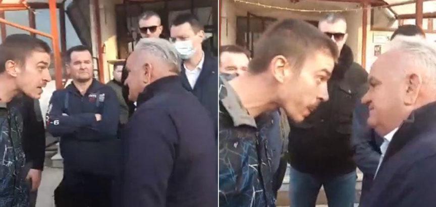 Prosvjedi u Petrinji zbog spore procedure podjele građevinskog materijala