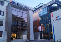 Elektroprivreda Hrvatske zajednice Herceg Bosne (HZHB) iz Mostara objavila je tender za kupovinu putničkog vozila limuzine u vrijednosti od 133.500 maraka bez PDV-a