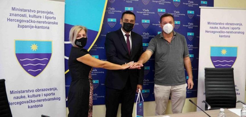 MOSTAR: Potpisan Kolektivni ugovor za djelatnosti srednjeg obrazovanja u HNŽ