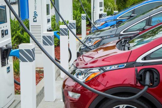 U Norveškoj bi se od sljedeće godine mogli kupovati samo električni automobili