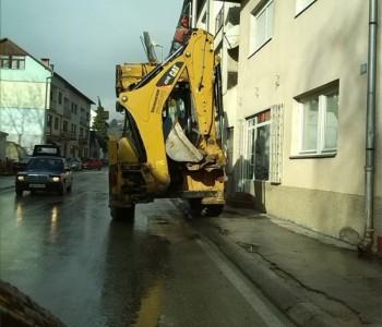 Započelo kićenje gradskih ulica u Prozoru