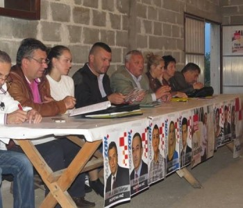 HDZ 1990 Prozor-Rama: Održane sjednice Područnih odbora u Gračacu, Lugu, Podboru i Jaklićima.