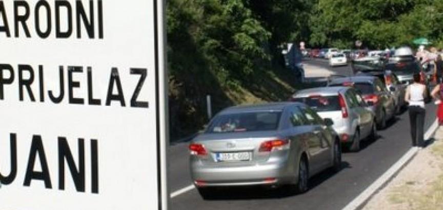 Na graničnom prijelazu Doljani na izlazu čeka se do 3 sata, a na ulazu do 2 sata